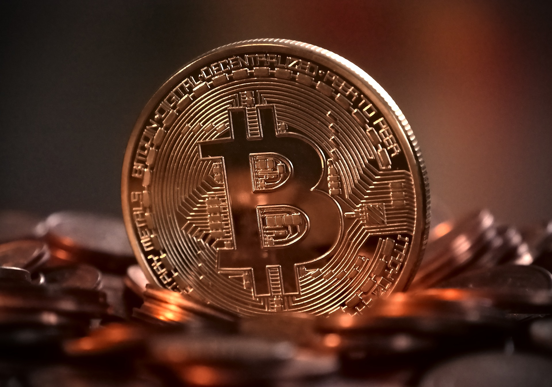 A gold bitcoin coin